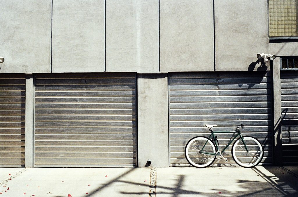 How To Paint A Metal Garage Door Decorating Tips And Advice