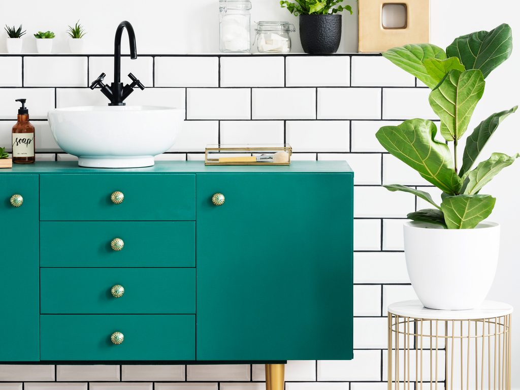 How To Paint A Bathroom Cabinet Or Vanity, Cost To Paint Bathroom Cabinets